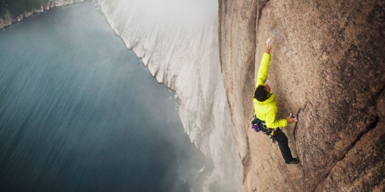 Alex Honnold climbs in Devil s