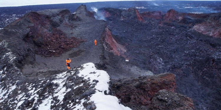 Geologists Climb Into Iceland