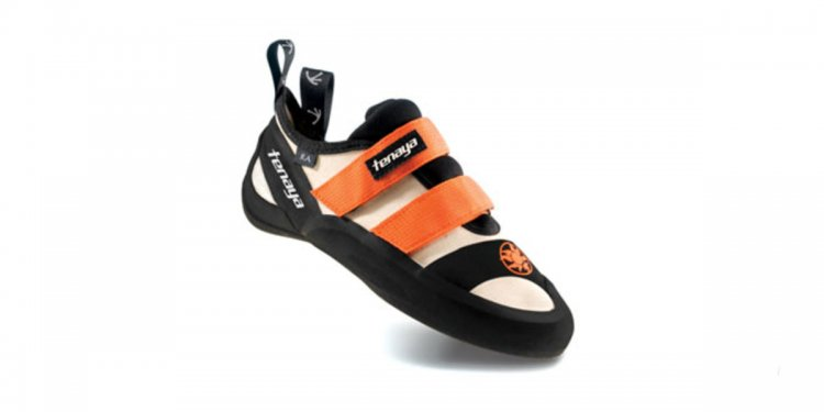 Indoor climbing shoes