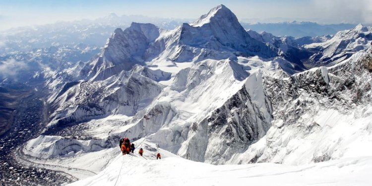 Cost of climbing Mount Everest