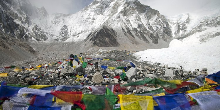 Books About climbing Mount Everest